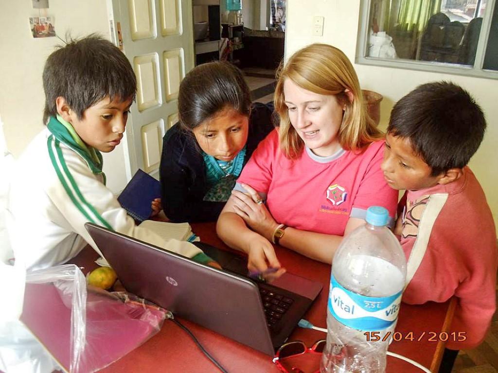 Volunteering_with_children