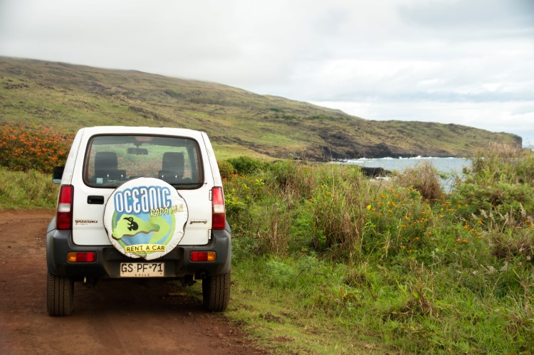 Exploring Easter Island with Oceanic Rapa Nui rental cars